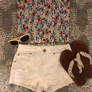 Sweet summer outfit!  AEO shorts and Rue 21 top